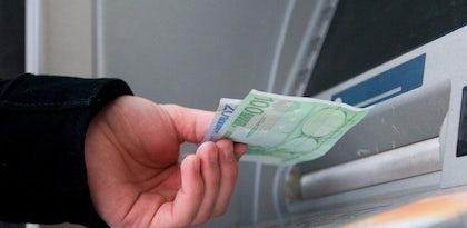 Bancos admitem cobrar taxas por levantamentos no Multibanco